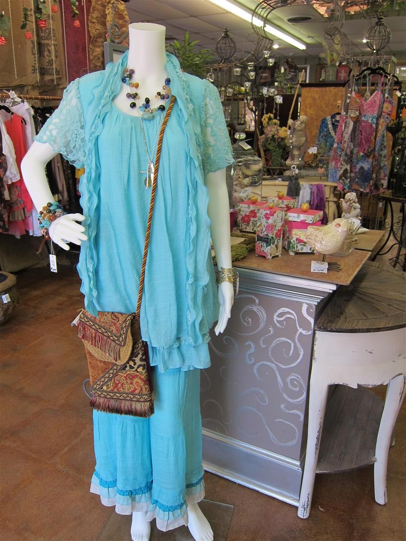 Boutique Clothing, designer outfits, clothes, blouse, purses, purse