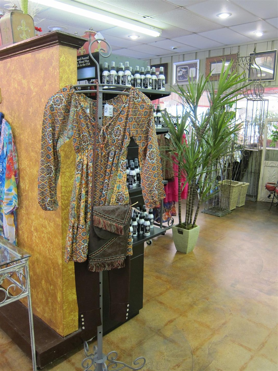Designer Clothing, Ladies outfits, Boutique shopping